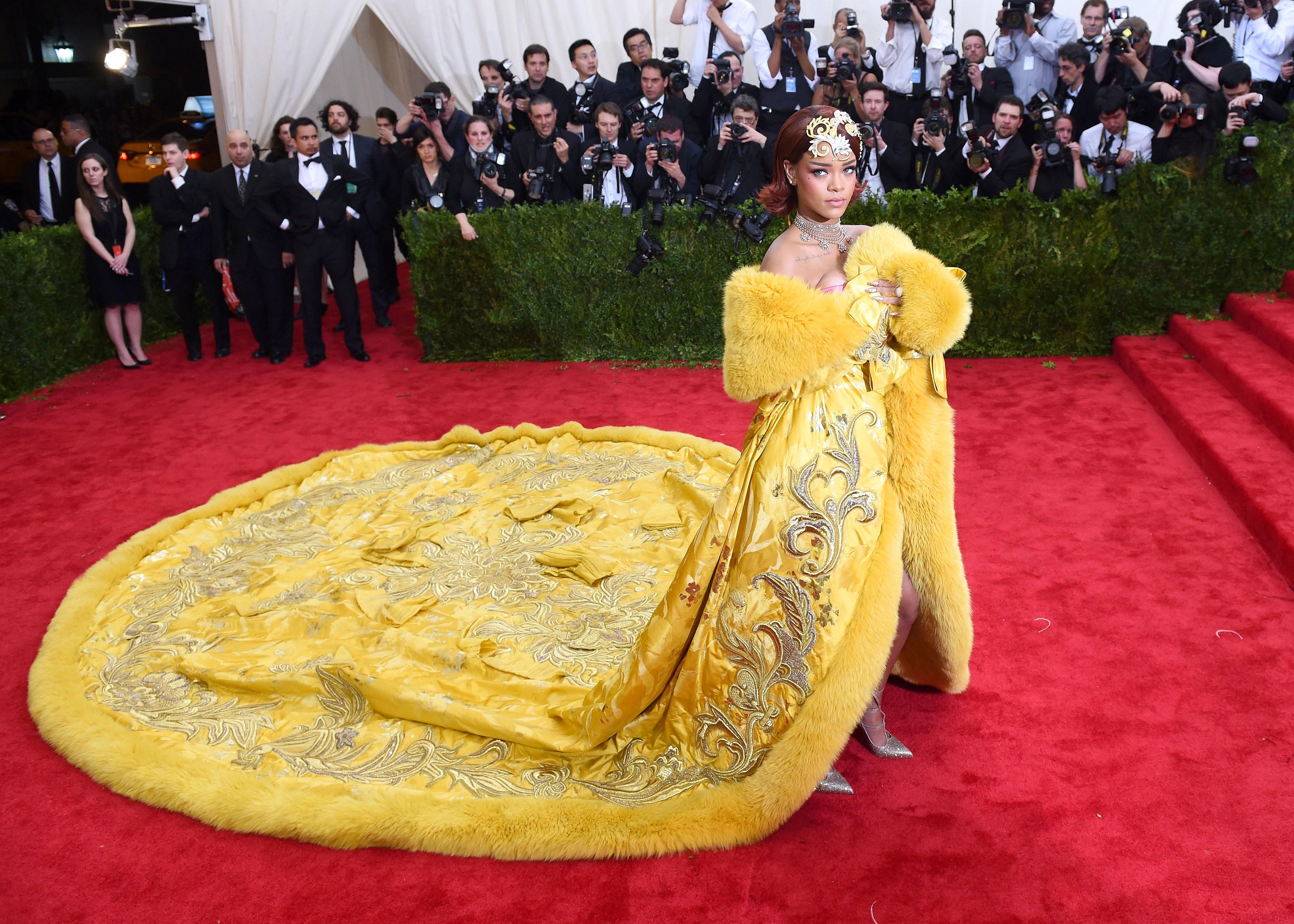 Rihanna - In Guo Pei Couture.