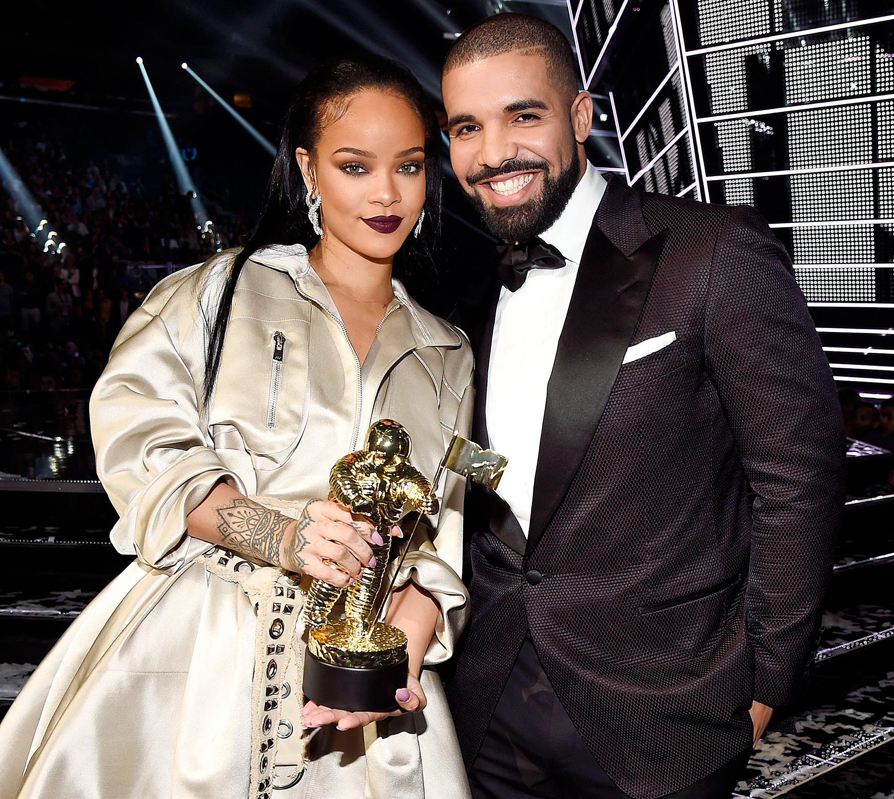 Rihanna Drake VMAs