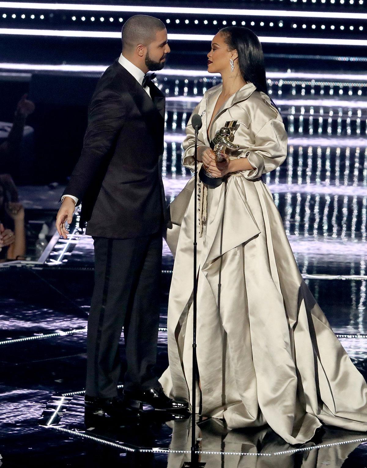 Drake and Rihanna at the 2016 MTV Video Music Awards