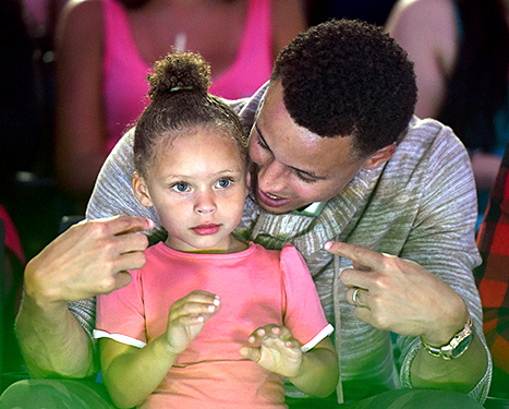 Riley Curry and Stephen Curry