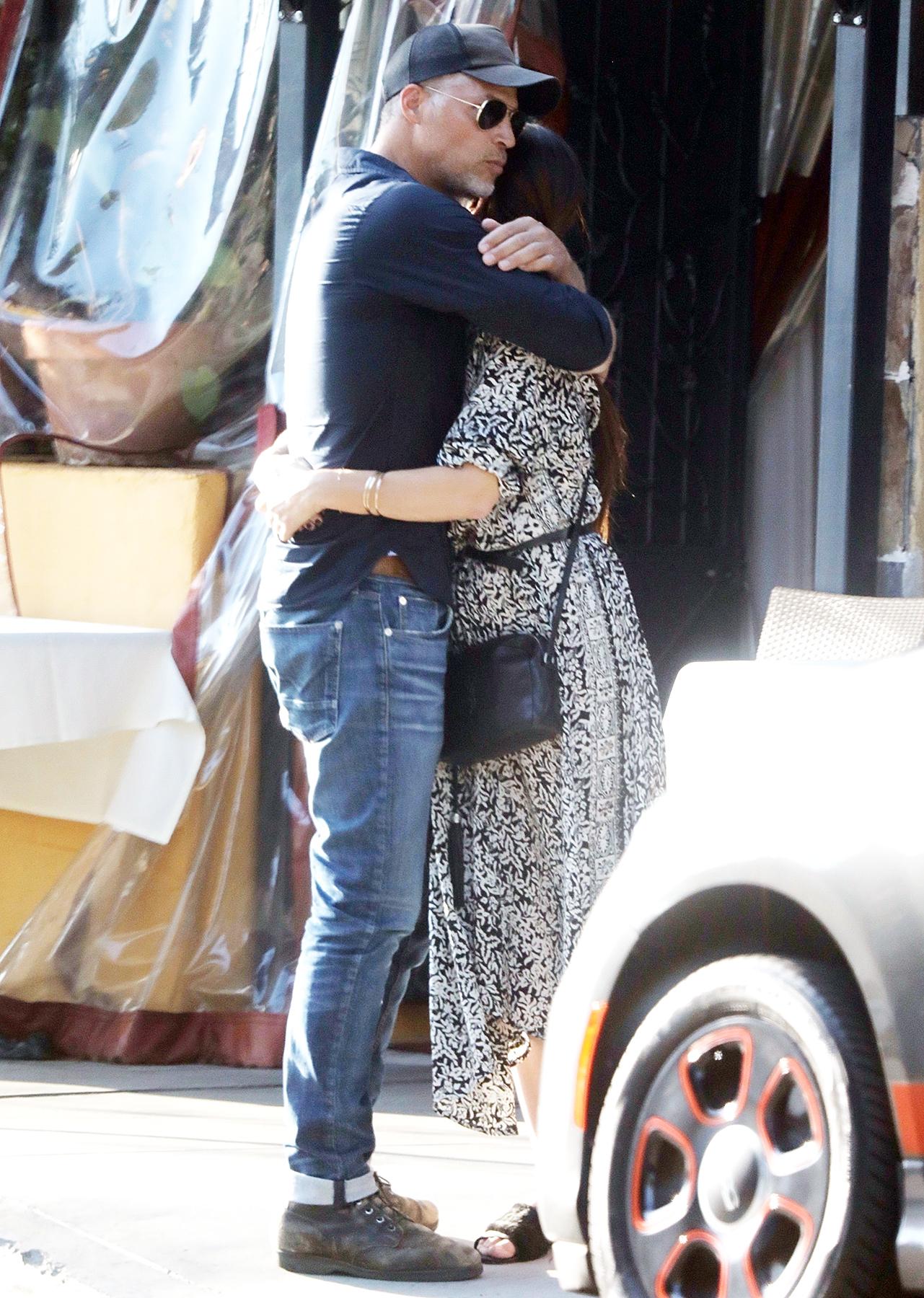 Sandra Bullock and Boyfriend Bryan Randall Kissing: Pics