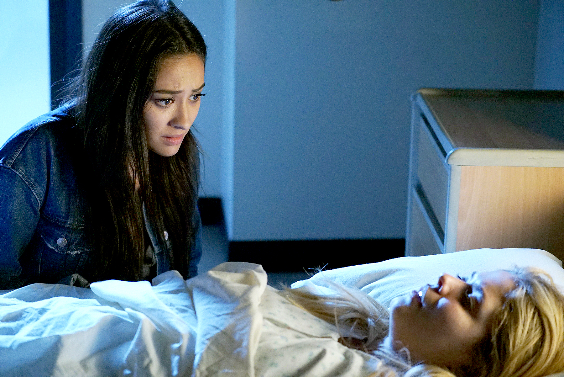 Shay Mitchell and Sasha Pieterse on Pretty Little Liars.