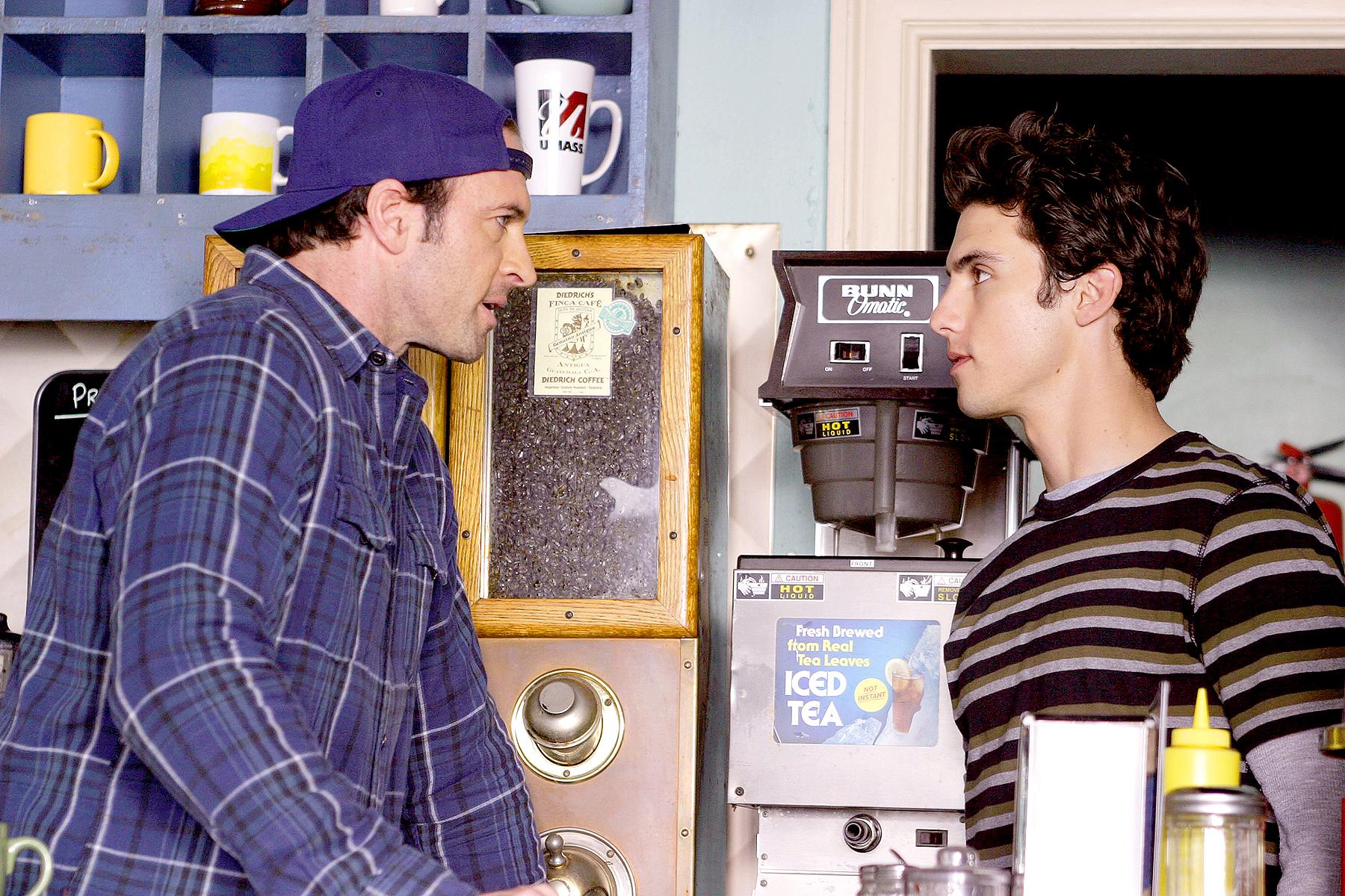 Scott Patterson and Milo Ventimiglia in Gilmore Girls.