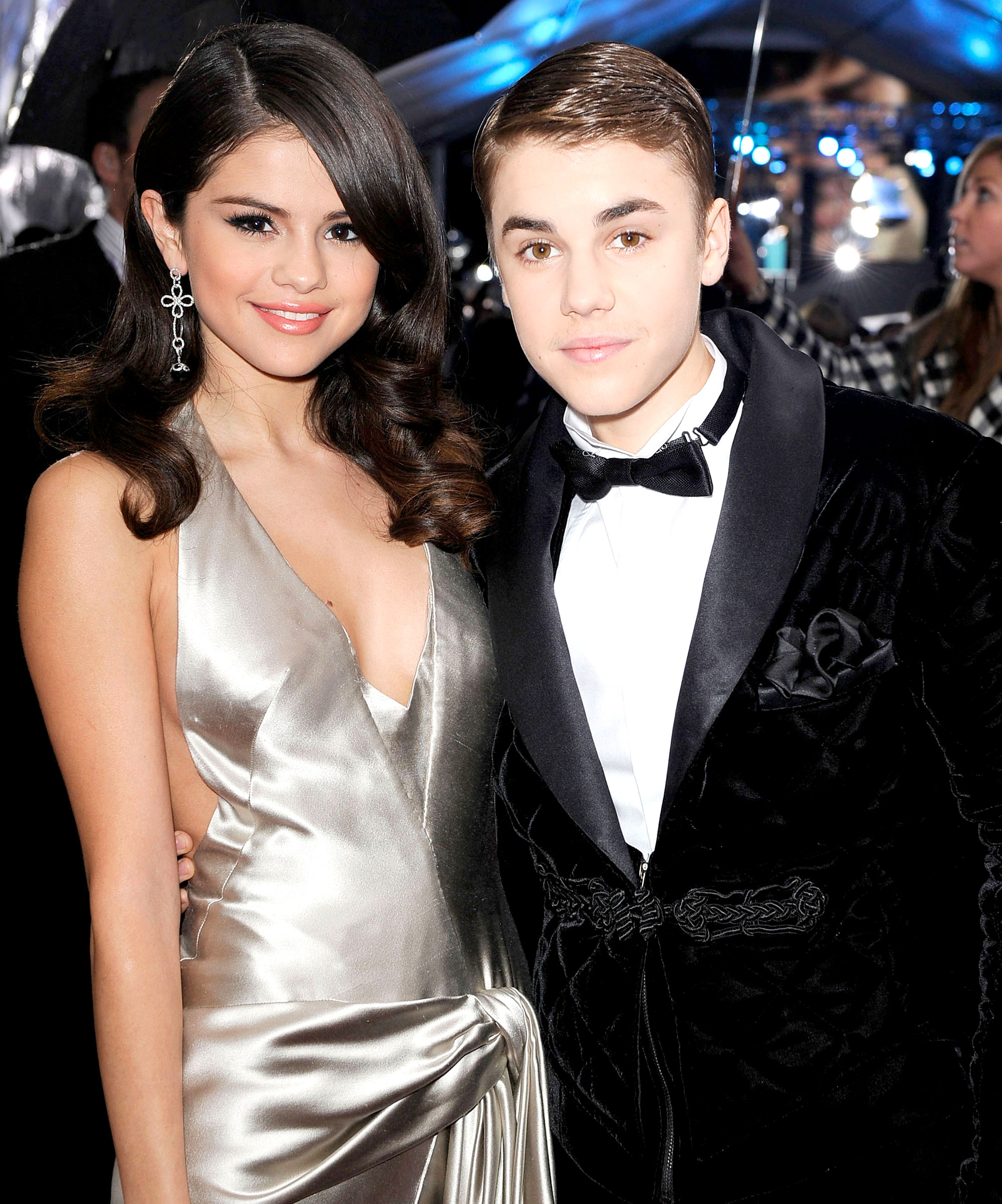 Who is selena gomez hookup history