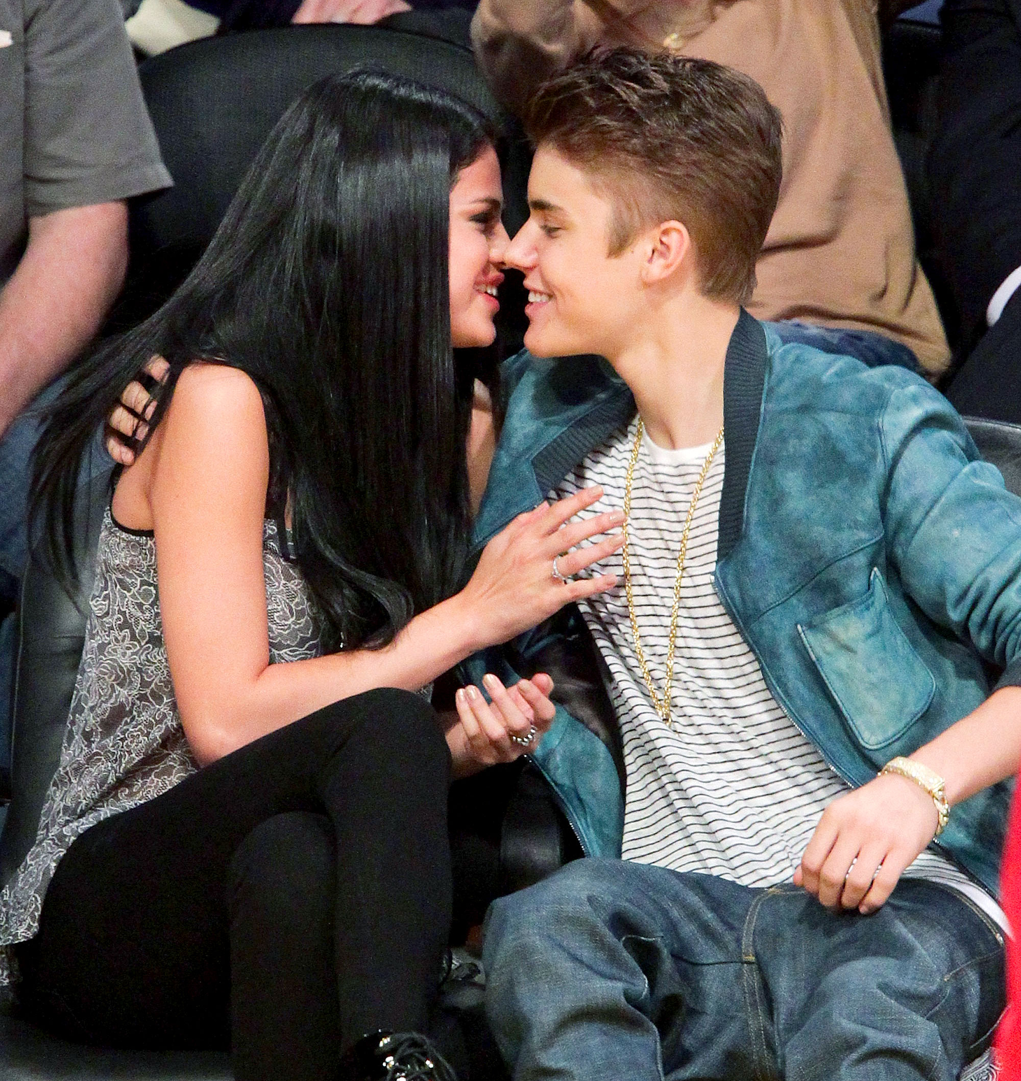 Dating history of justin bieber