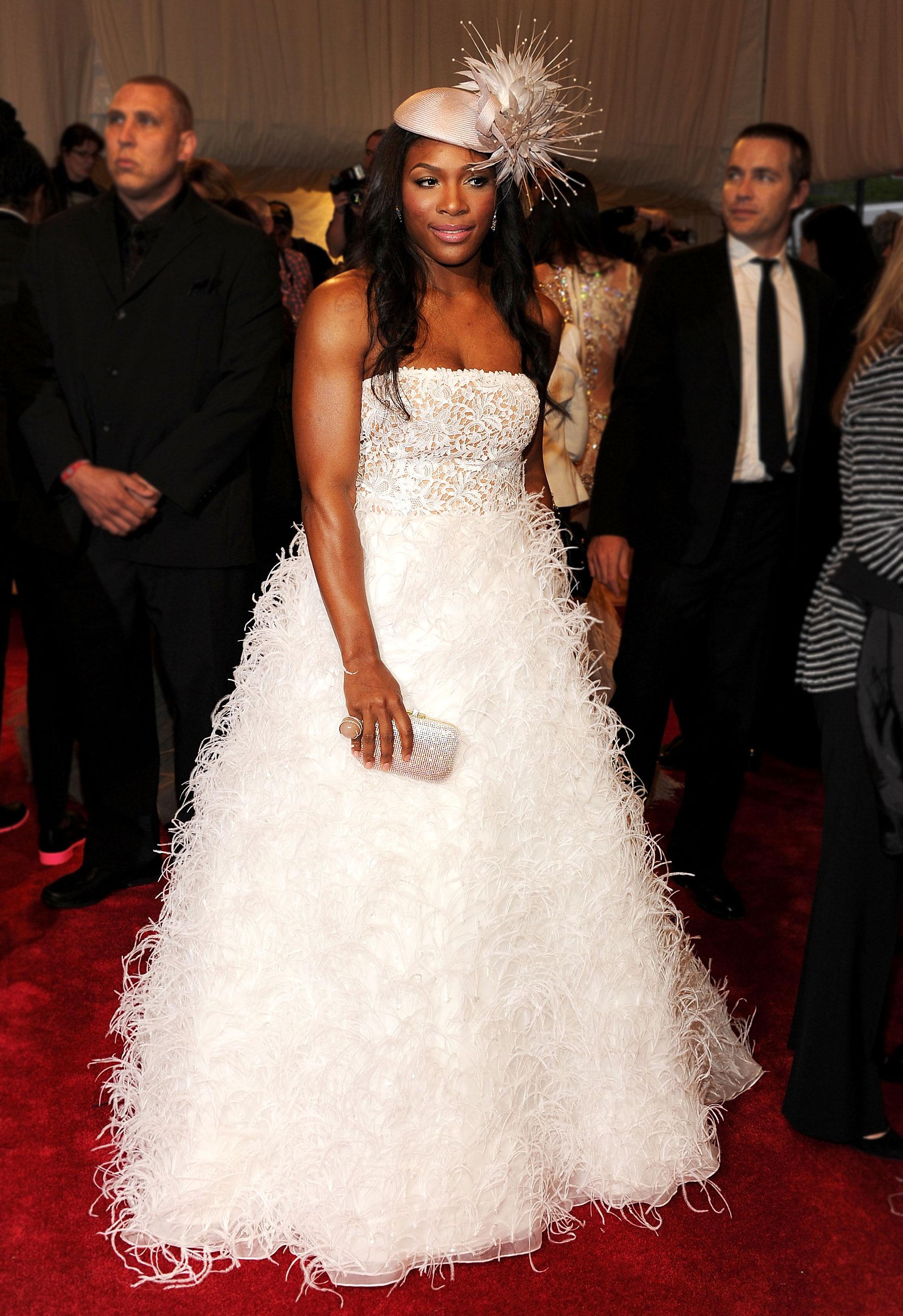 Serena Williams - In Oscar de la Renta.