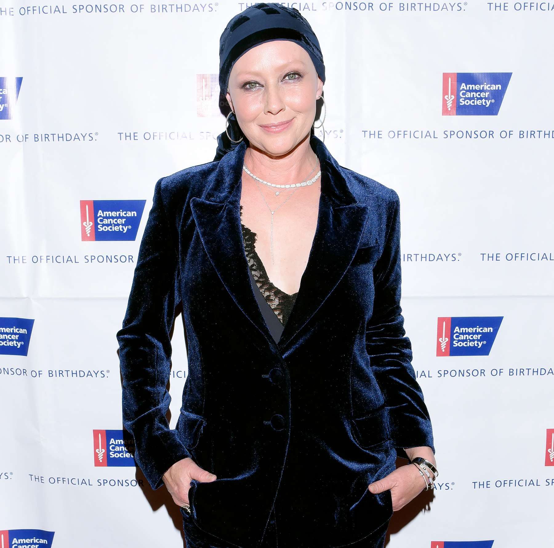 Shannen Doherty arrives at American Cancer Society's Giants of Science Los Angeles Gala on November 5, 2016 in Los Angeles, California.
