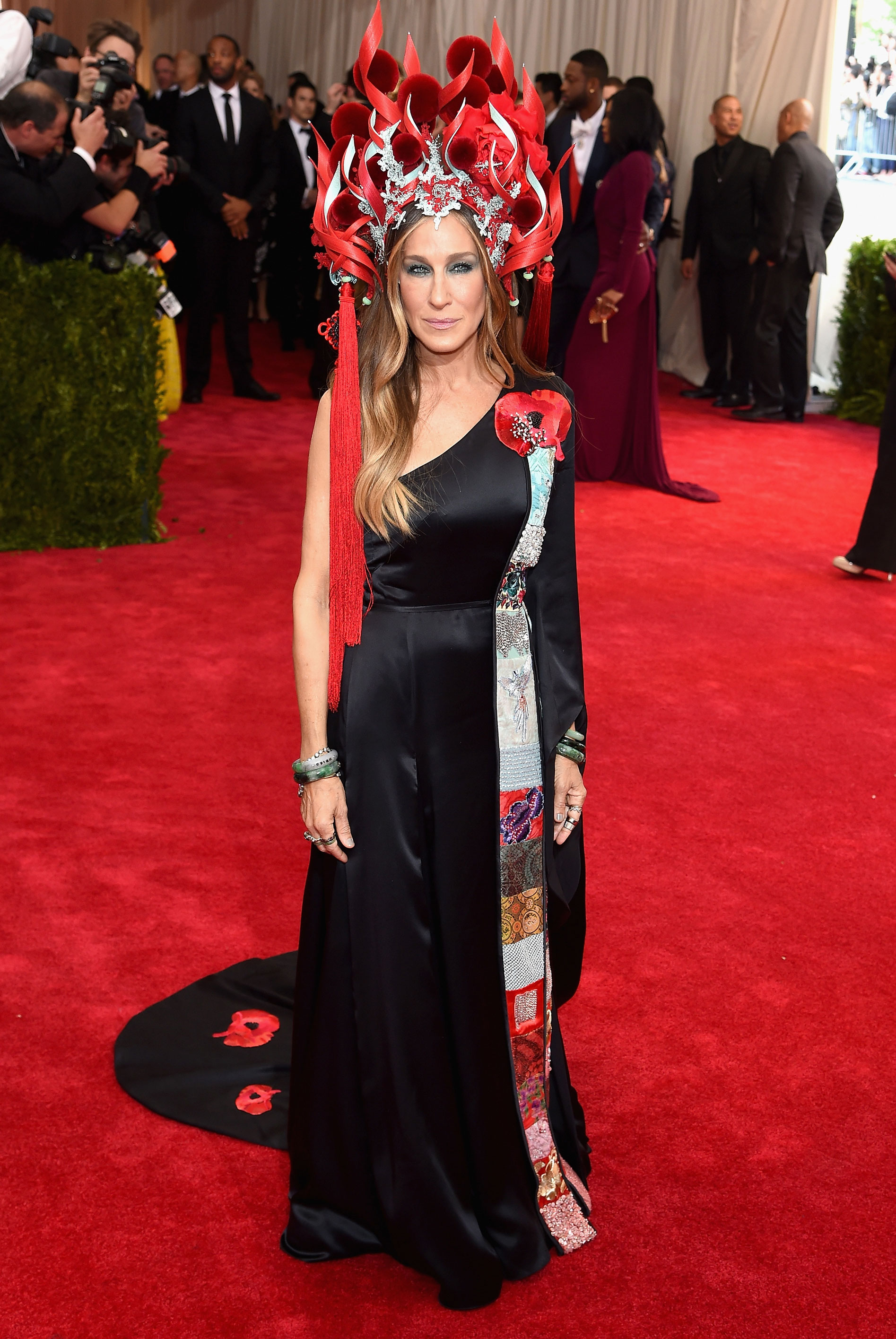 Sarah Jessica Parker - In a Philip Treacy headdress and custom H&M dress.