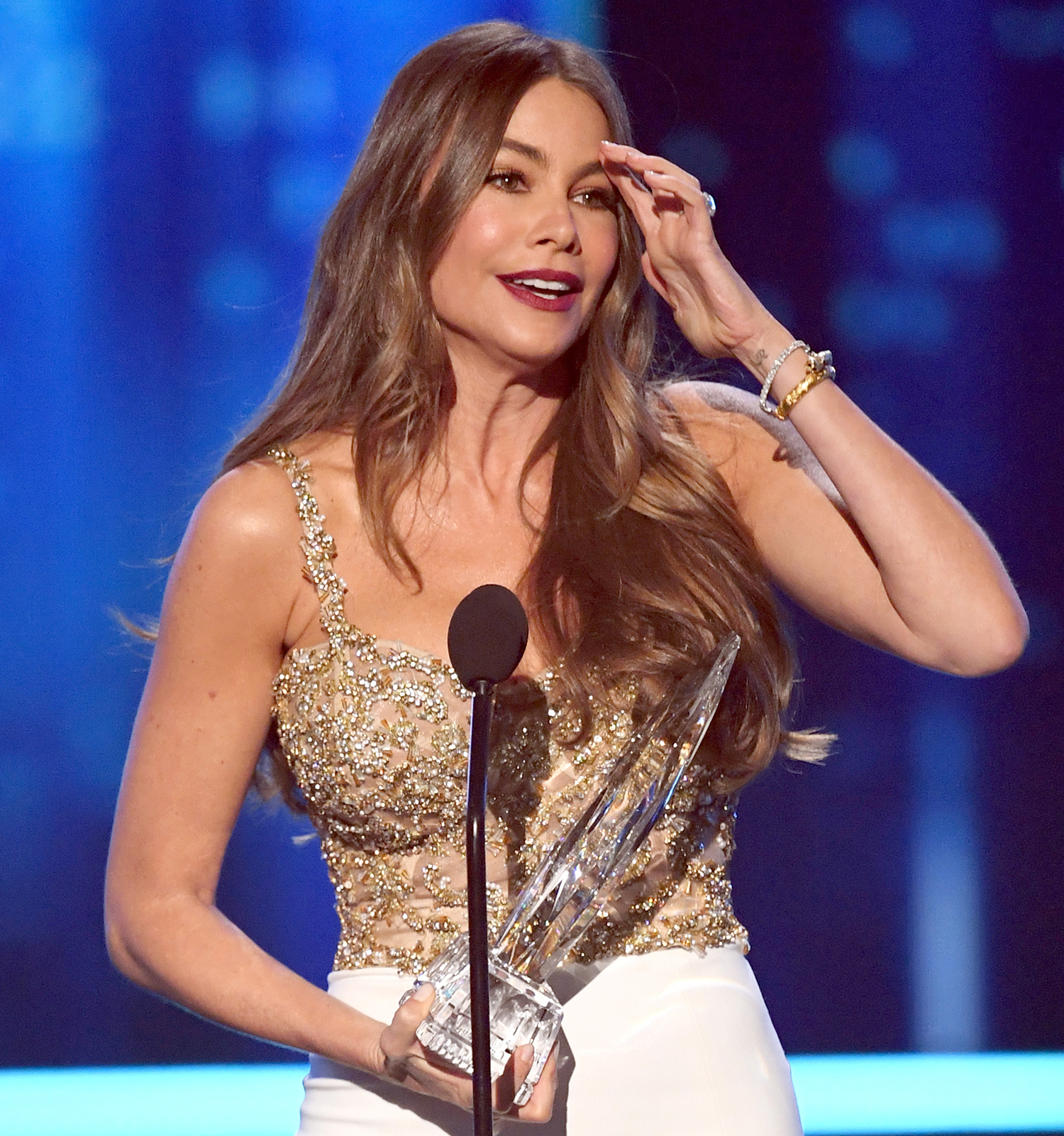 Sofia Vergara accepts Favorite Comedic TV Actress for 'Modern Family' onstage during the People's Choice Awards 2017 at Microsoft Theater on January 18, 2017 in Los Angeles, California.