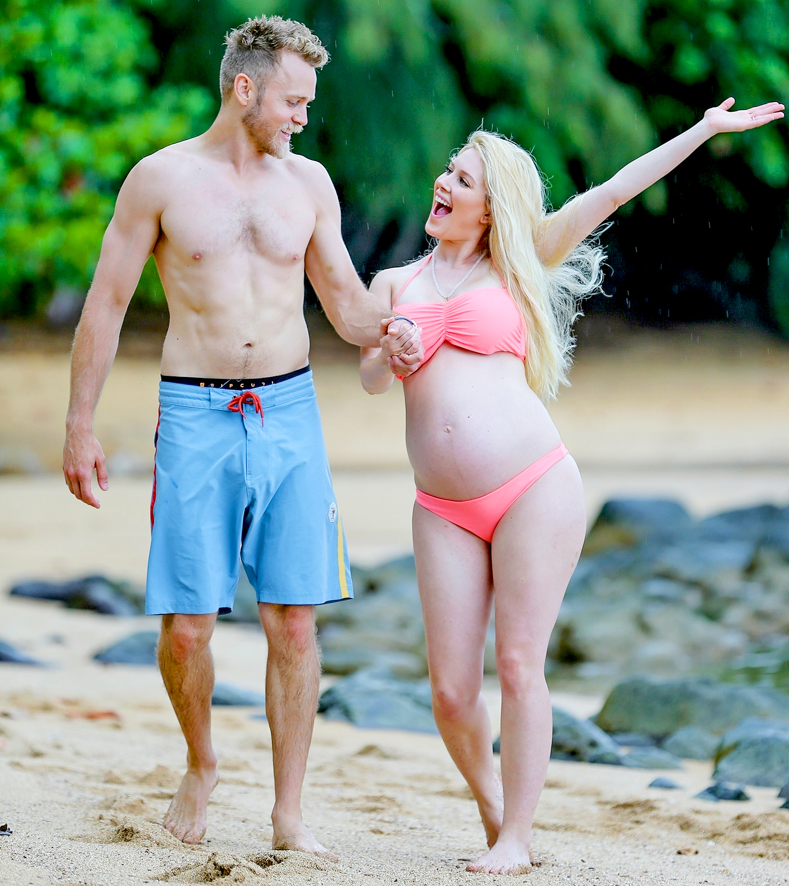Heidi Montag and Spencer Pratt enjoy a day in Hawaii together.