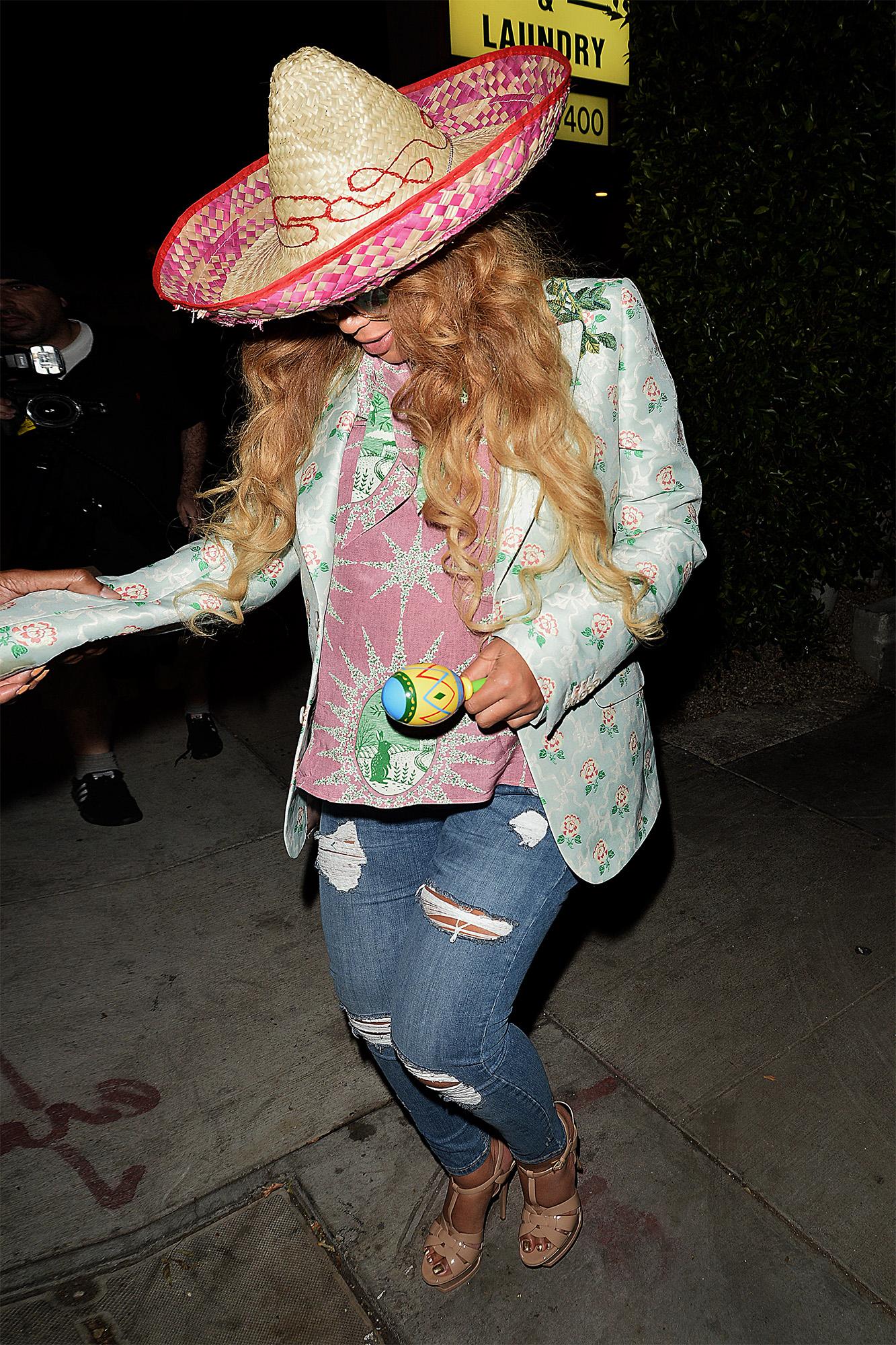 Beyonce Kelly Rowland Wear Sombreros For Cinco De Mayo Dinner