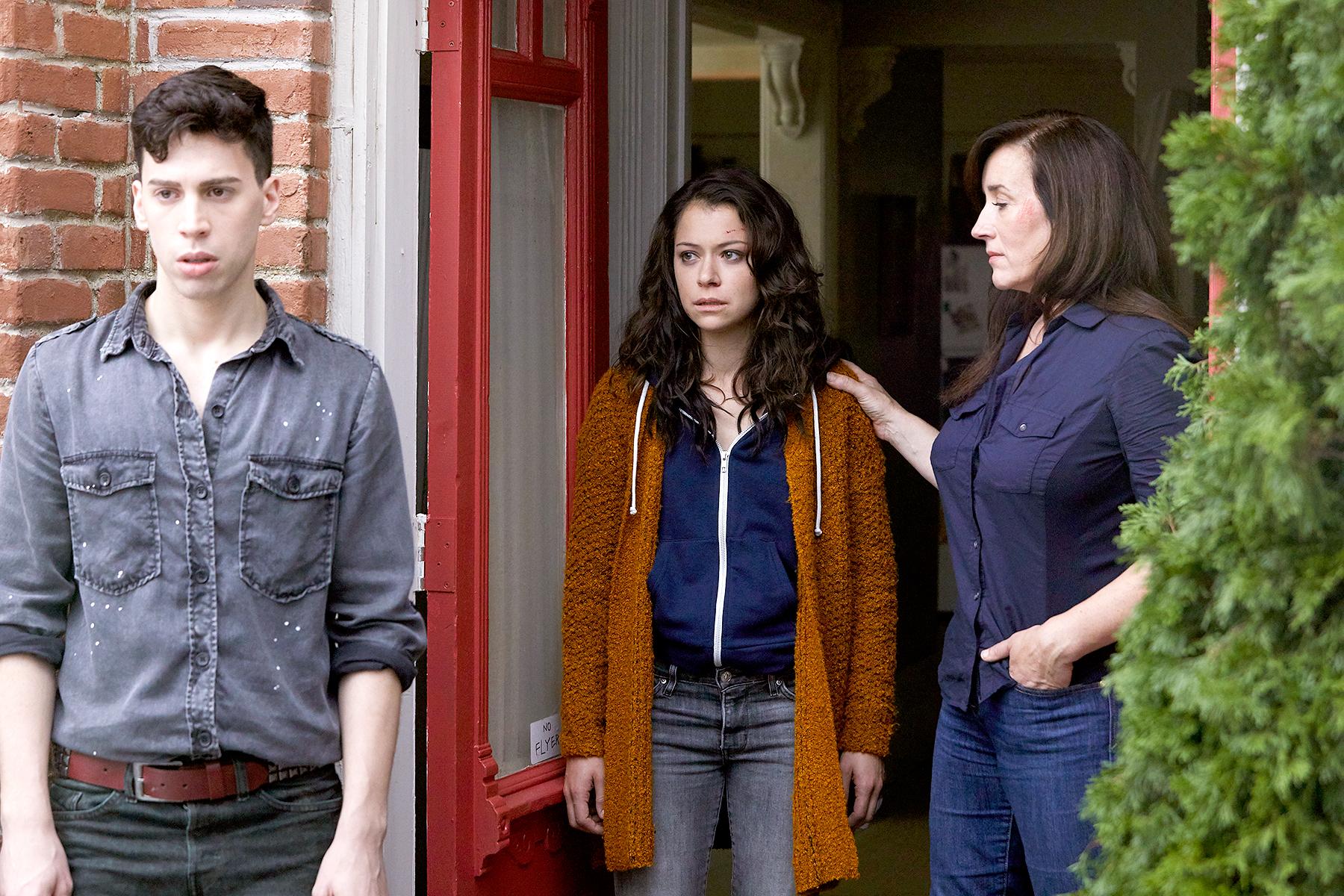 Felix (Jordan Gavaris), Sarah (Tatiana Maslany), and Mrs. S (Maria Doyle Kennedy) on Orphan Black.