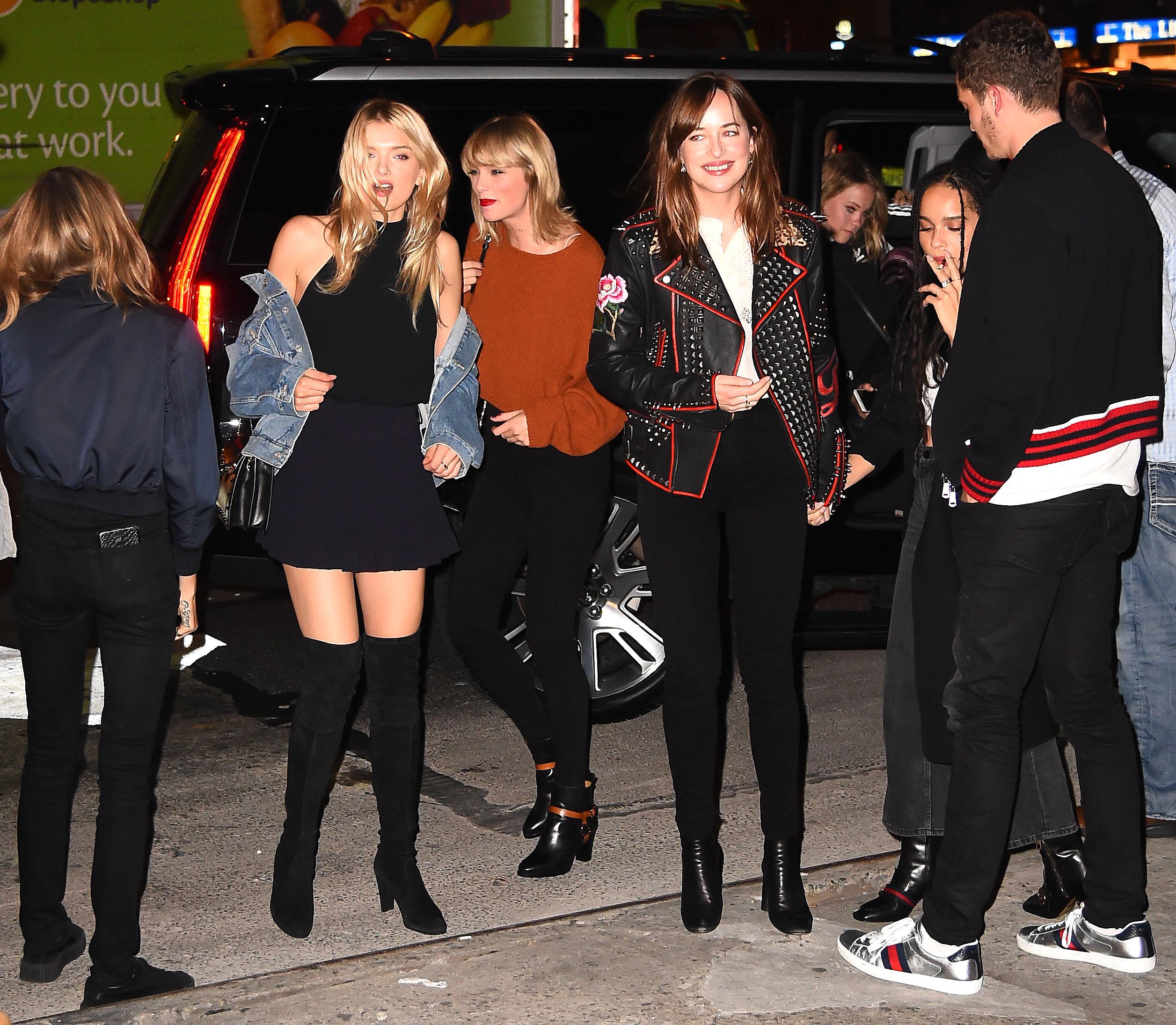 Taylor Swift Hangs With Dakota Johnson More Squad Members