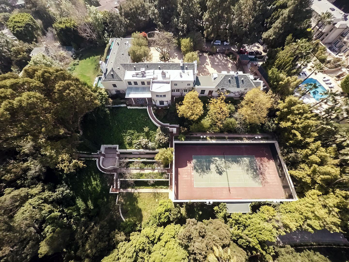 Taylor Swift Beverly Hills mansion house