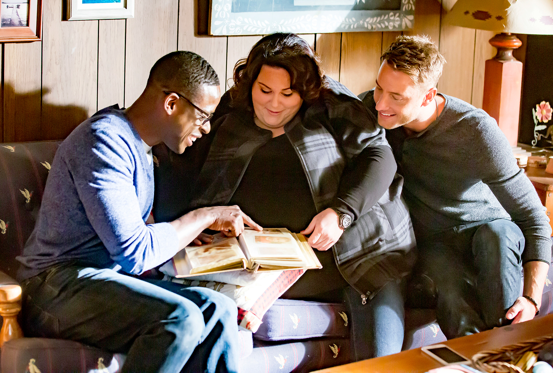 Sterling K. Brown as Randall, Chrissy Metz as Kate, Justin Hartley as Kevin on This Is Us.