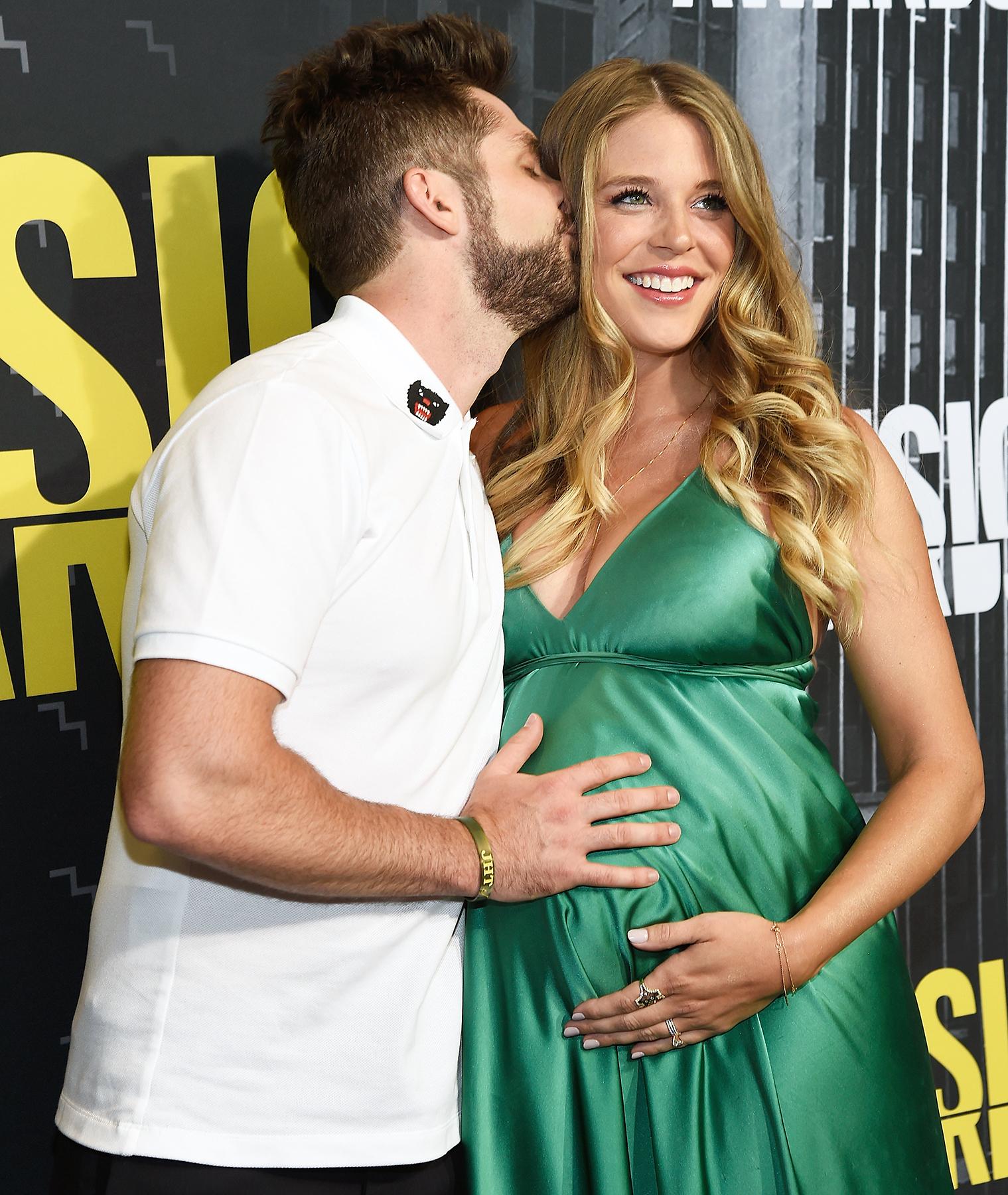 Thomas Rhett Lauren Gregory CMT Music Awards