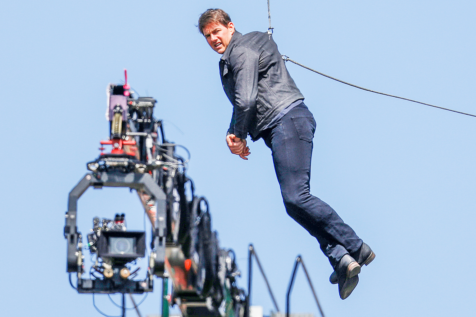 Tom Cruise Mission Impossible 6 Stunt injury