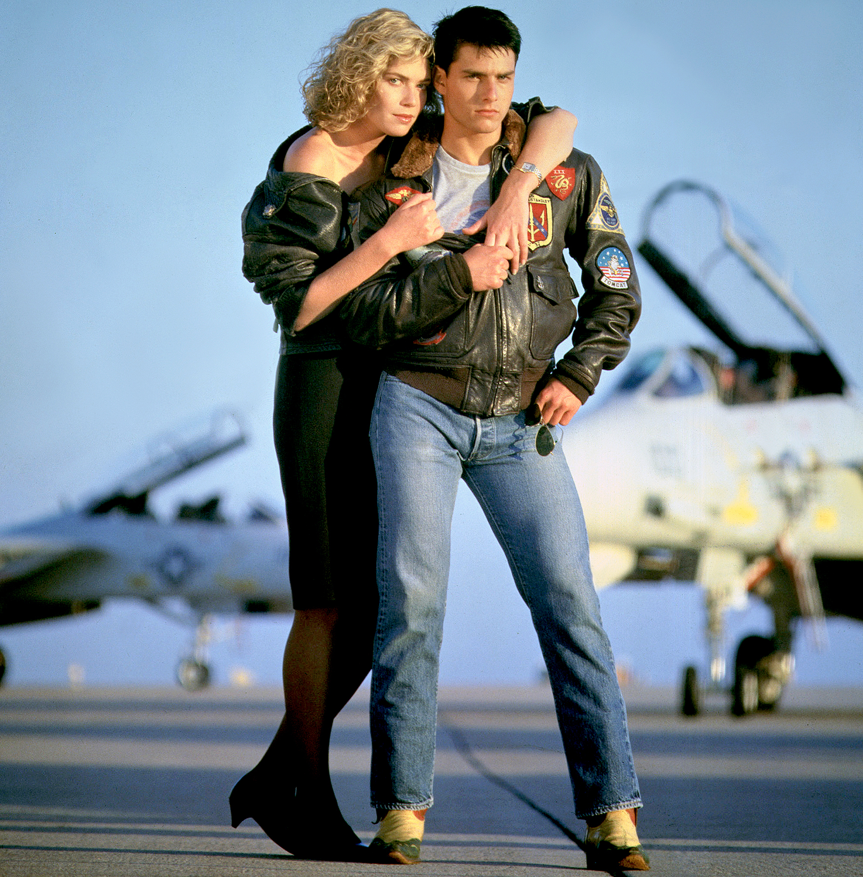 Kelly McGillis and Tom Cruise on the set of Top Gun