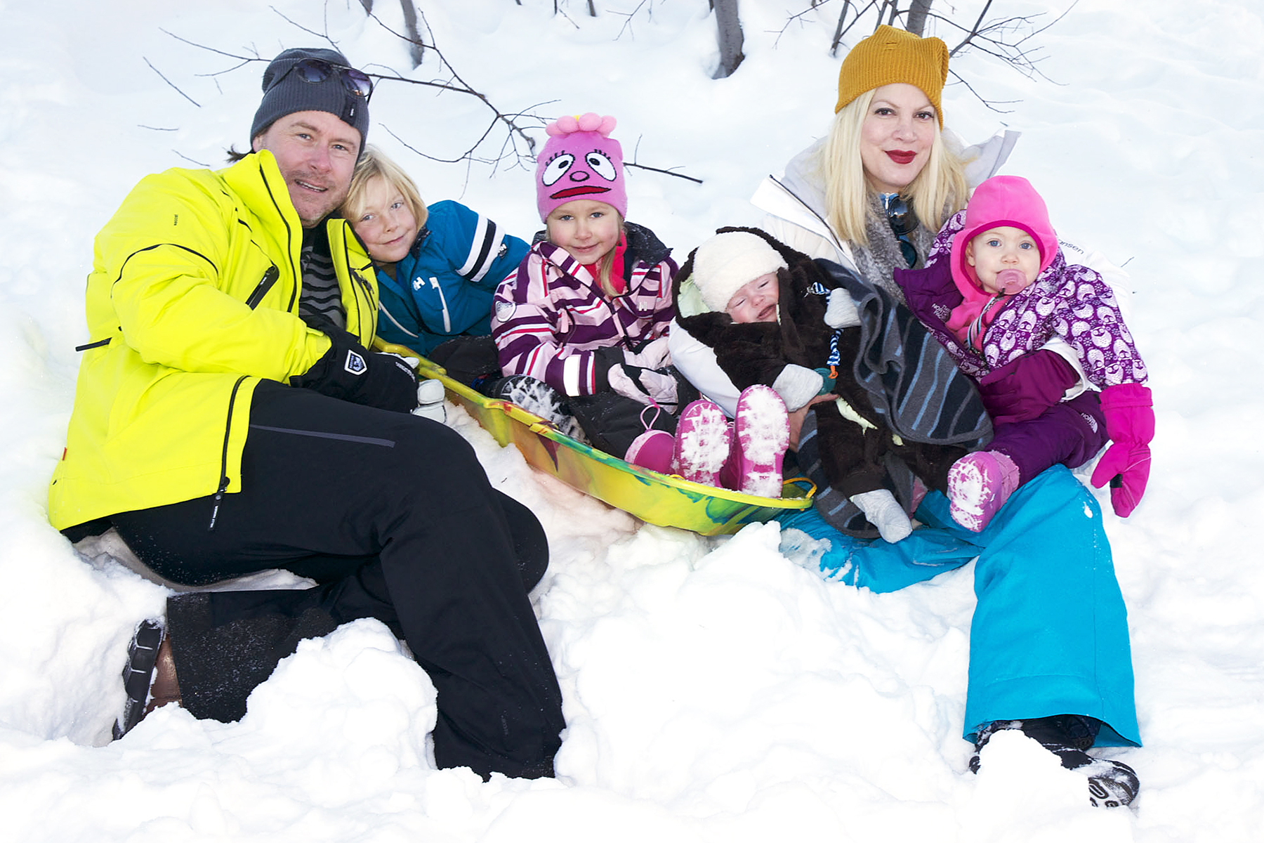 Tori Spelling Dean McDermott Liam Stella Hattie Finn - Spelling took a camera along on her family vacation at The Village at Squaw Valley, in Lake Tahoe, California, in January 2013. It looks like the couple and their four kids had a lot of fun in the snow.
