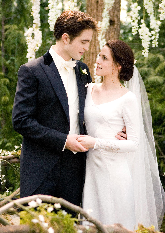 robert pattinson and kristen stewart as edward and bella in twilight saga breaking dawn courtesy summit entertainment - Twilight Wedding Ring