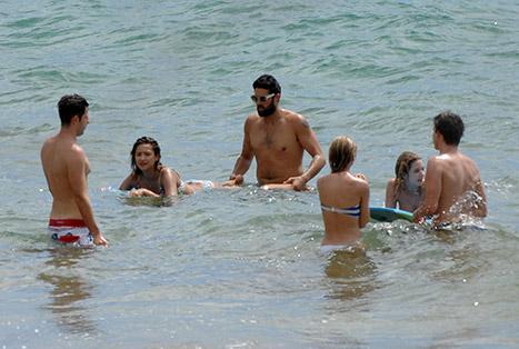 Tyler Blackburn and Shay beach