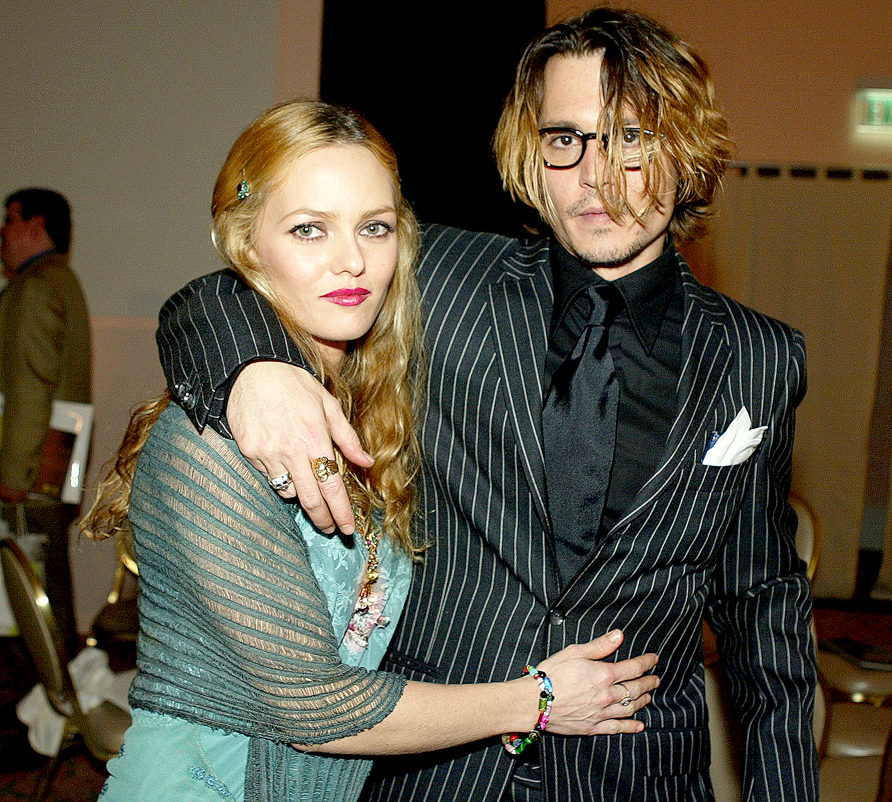 Johnny Depp and Vanessa Paradis pose after The 9th Annual Critic's Choice Awards at the Beverly Hills Hotel on January 10, 2004 in Beverly Hills, California.
