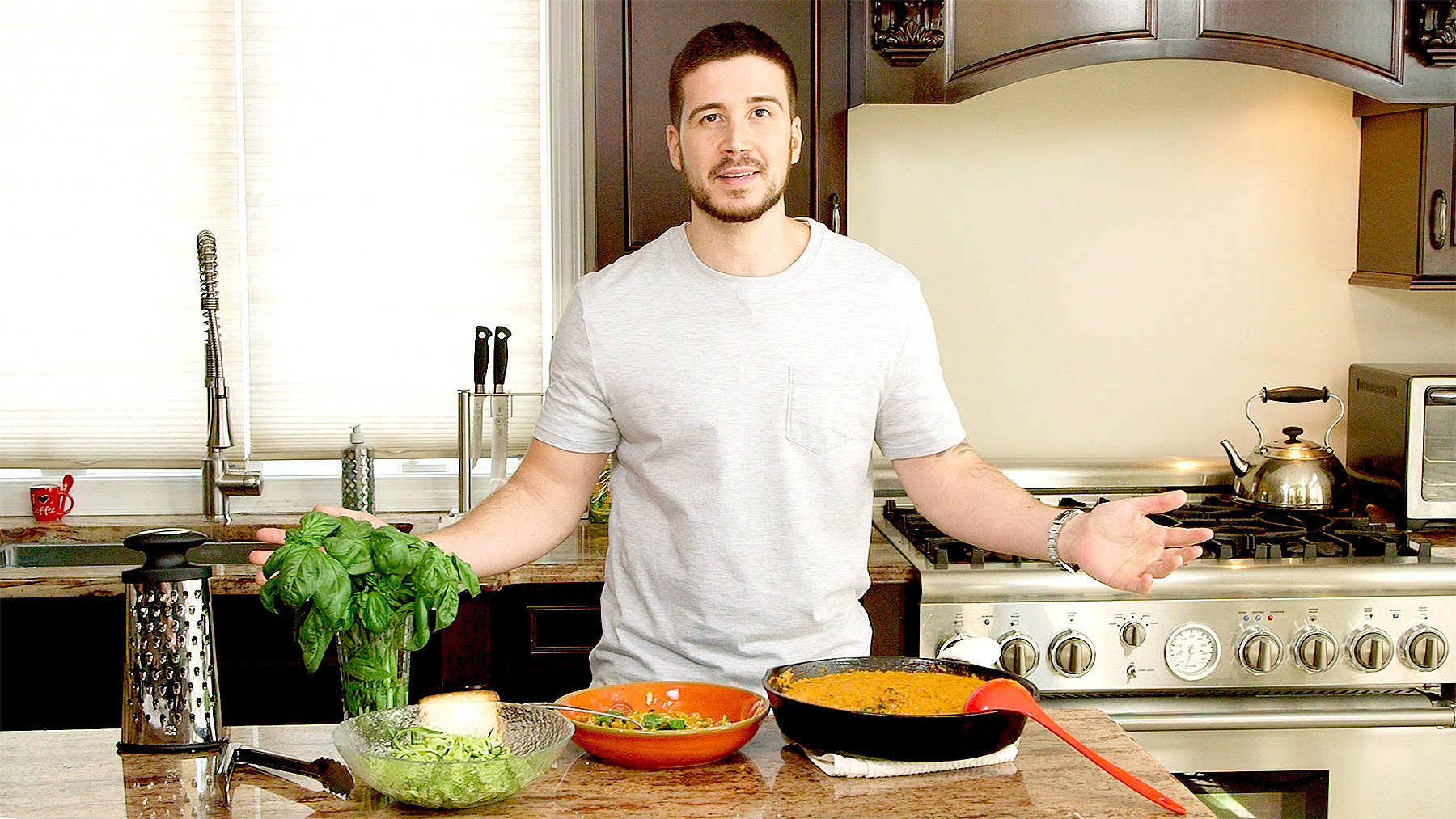 Vinny Guadagnino\'s Zucchini Noodles With Meat Sauce: RECIPE