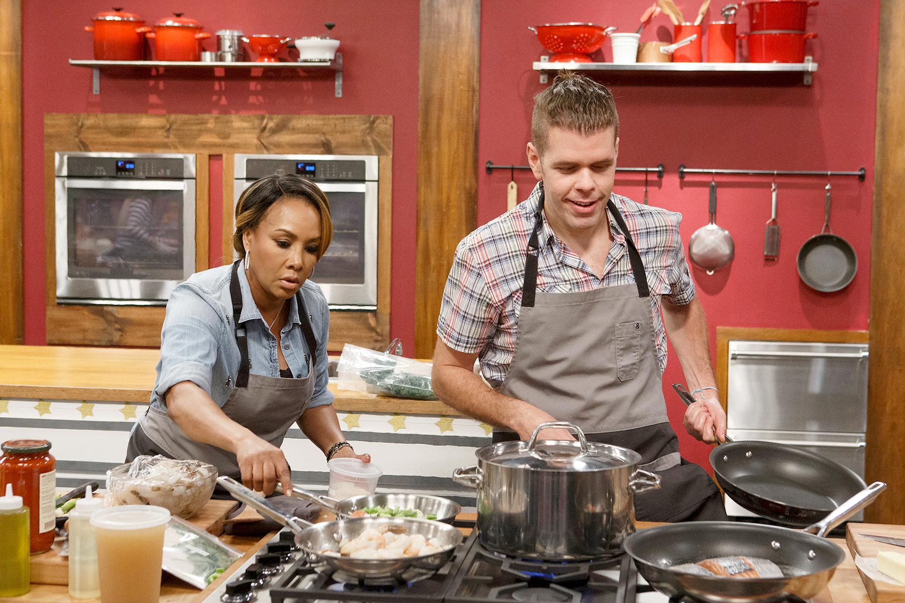 Vivica A. Fox and Perez Hilton on Worst Cooks In America