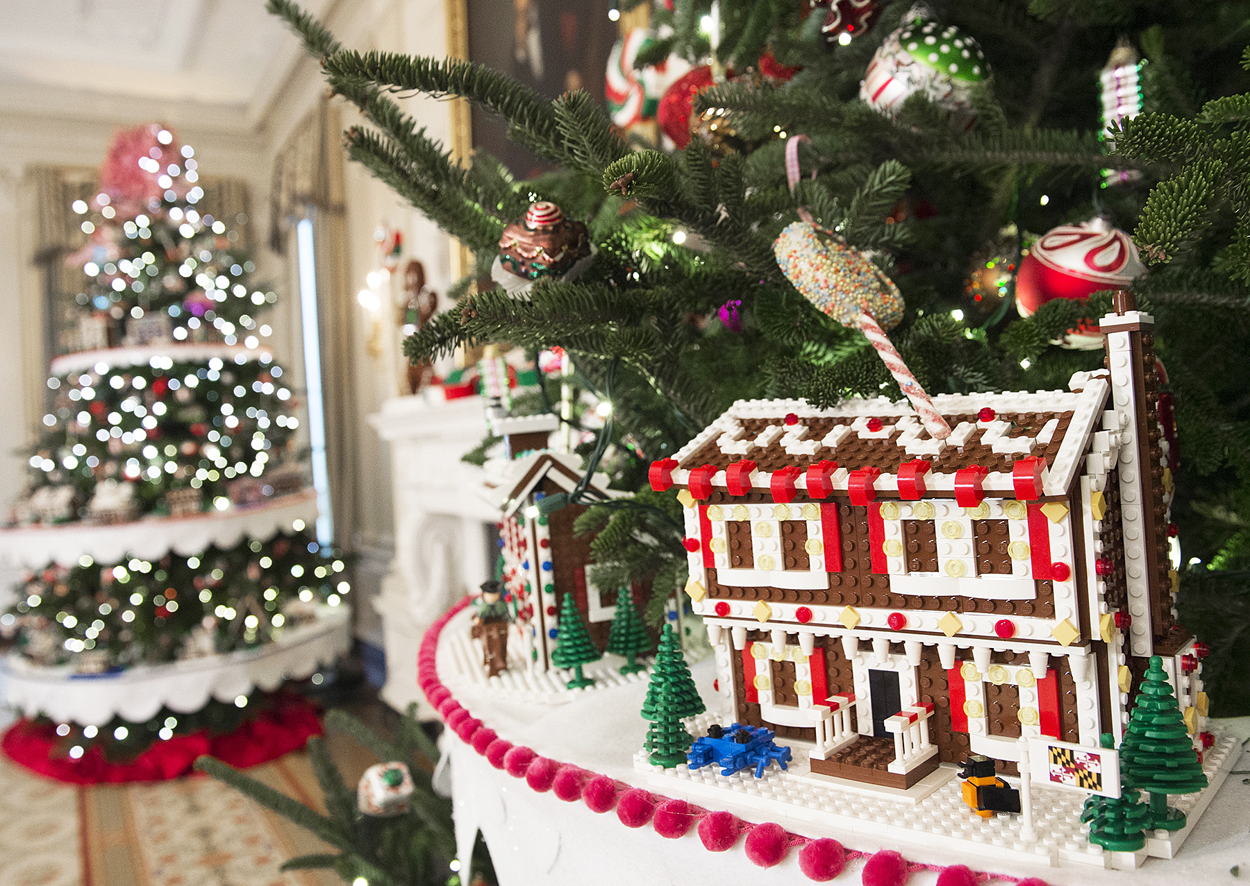 See the White Houses 2016 Christmas Decorations Photos
