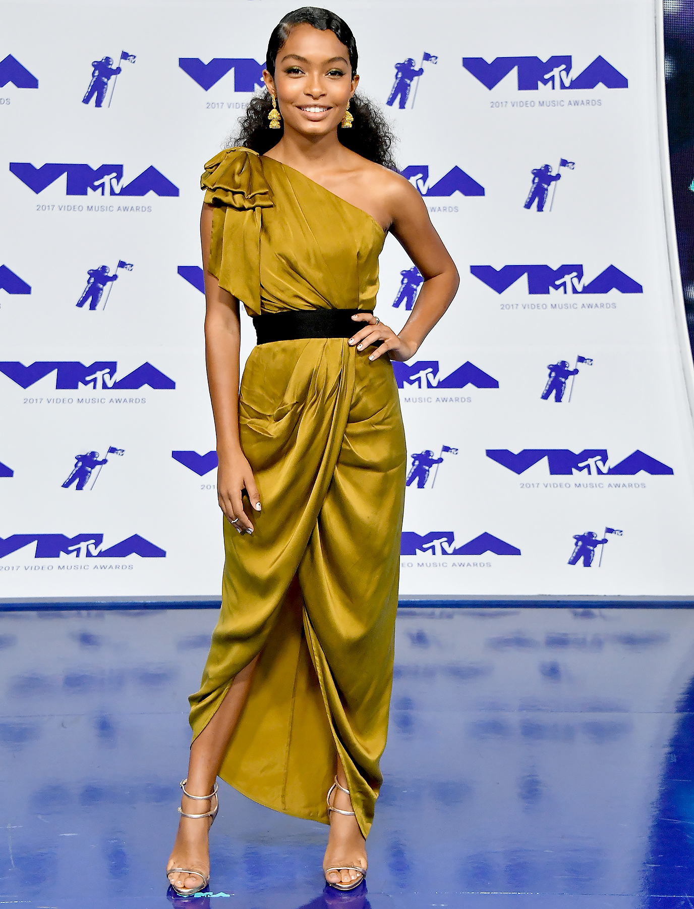 Yara Shahidi attends the 2017 MTV Video Music Awards at The Forum on August 27, 2017 in Inglewood, California.