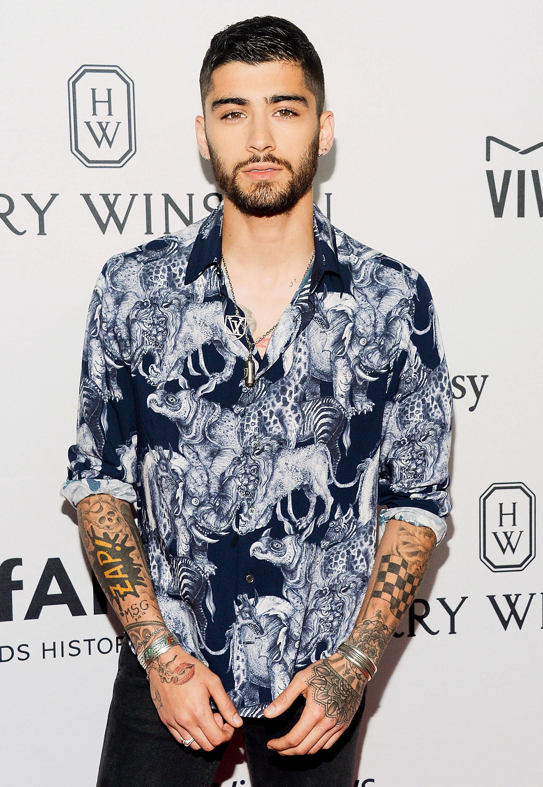 Zayn Malik Got A Lightsaber Tattoo That Actually Glows