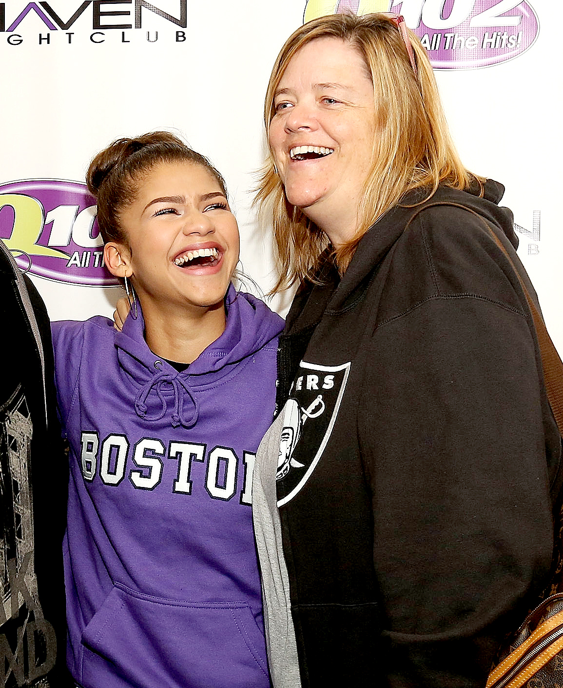 Covergirl Zendaya Does Her Mom S Makeup Like A Pro Zendaya (star of disney channel original series shake it up!), as well two sons, and three daugthers. covergirl zendaya does her mom s makeup