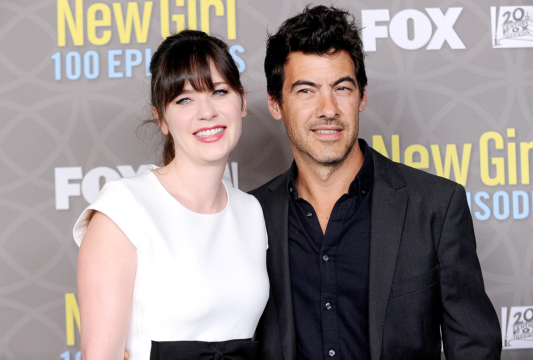 f05953a75127 Zooey Deschanel Gives Birth